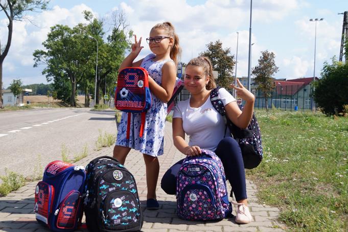 150 kolorowych plecaków dla dzieci naszych pracowników